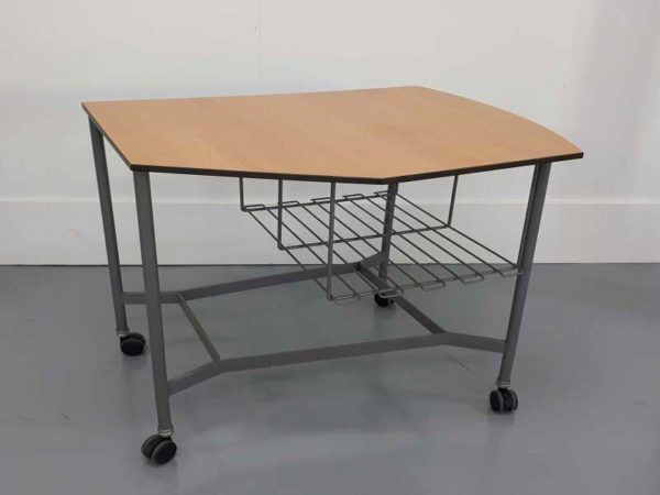 Mesas de oficina mesa auxiliar con rejilla