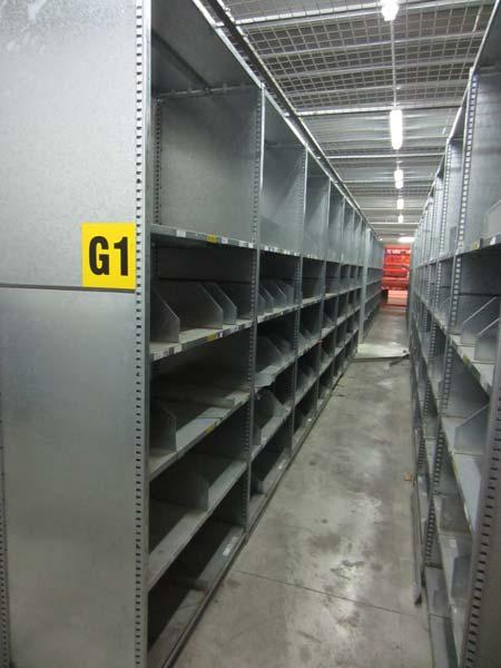 Estantería galvanizada con separadores estanterías de ocasión